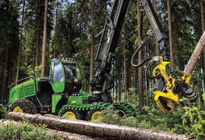 Kertame mišką ir atliekame medienos išvežimą