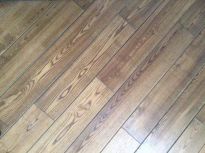 akcija uosio grindų lentos-22eur/m2